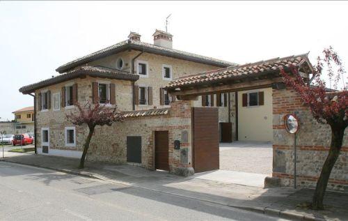 casa_famiglia_ass._comunit_del_melograno_onlus_-_lovaria.jpg